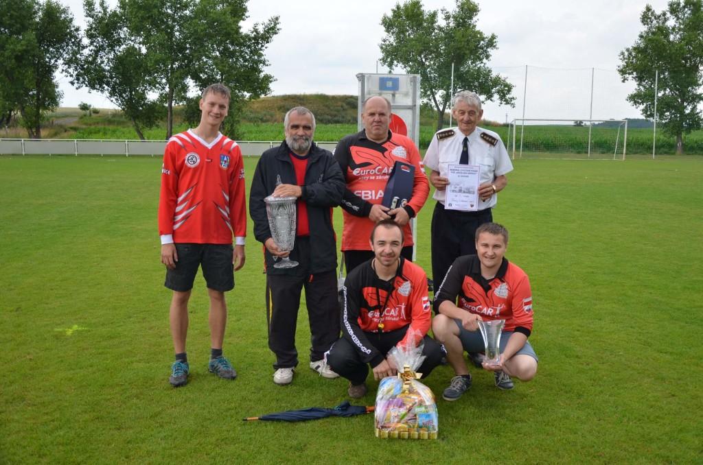 Vítězné družstvo mužů Memoriálu 2015 SDH Starý Lískovec - SPORT